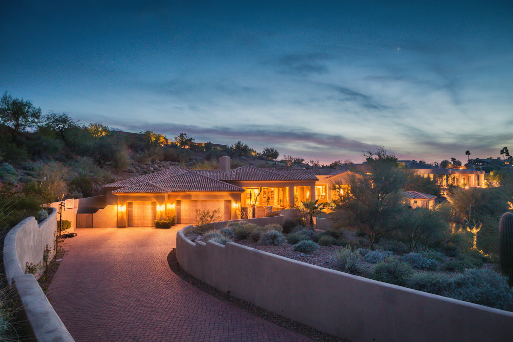 Paradise_Valley_Luxury_Twilight_Real_Estate_Photography_01