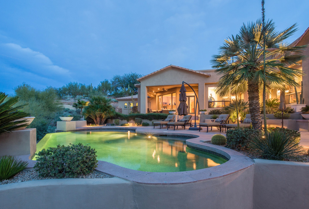 Paradise_Valley_Luxury_Twilight_Real_Estate_Photography_07