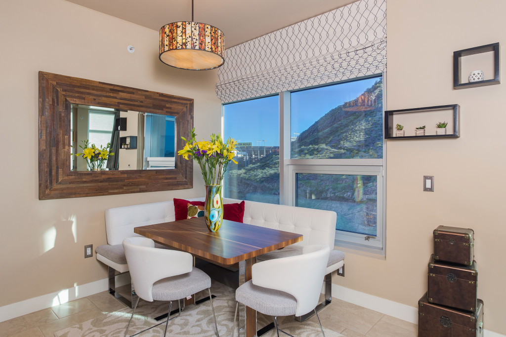 Tempe_Luxury_Waterfront_Condo_01
